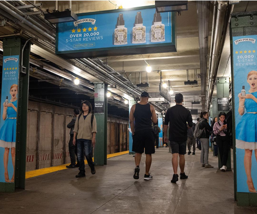 """""""Poo Brand Love"""" la nuova campagna nella metro di New York City!"""